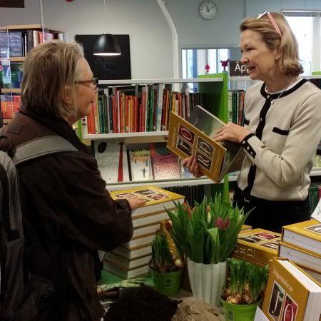 Roslagslördag Din Ekologiska Trädgård, februari 2017, Redaktör Anne Langenskiöld Folke från Bokförlaget Langenskiöld med Trädgårdsboken om Jord.